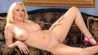 Alana Evans in 'It's Okay She's My Stepmother 4'