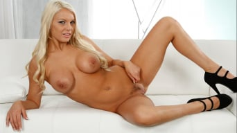Kenzie Taylor in 'Bush League 6'