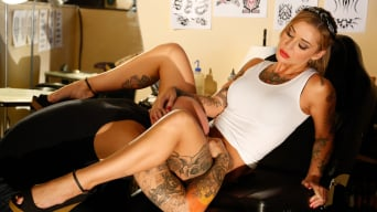 Kleio Valentien in 'Devil's Pinup Dollz 2'