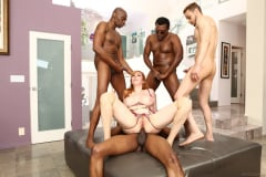 Lauren Phillips - Blacked Out 07 (Thumb 01)
