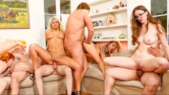 Layla Price en 'Storage Whore Orgy'